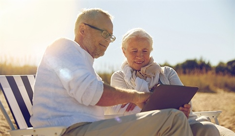 Six Tips to Streamline Your Club Industry Web Experience for Seniors